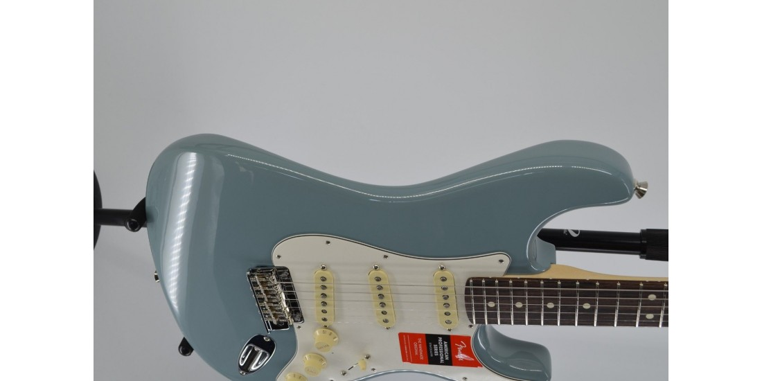 Demo- Fender American Professional Stratocaster Electric Guitar Rosewood Fingerboard Sonic Gray SN# US19094746