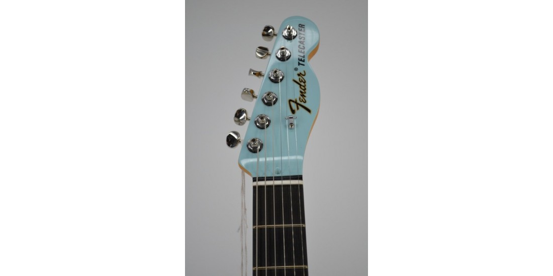Fender FSR Two-Tone Telecaster Thinline Electric Guitar Daphne Blue Serial #US19081658 6.25lbs