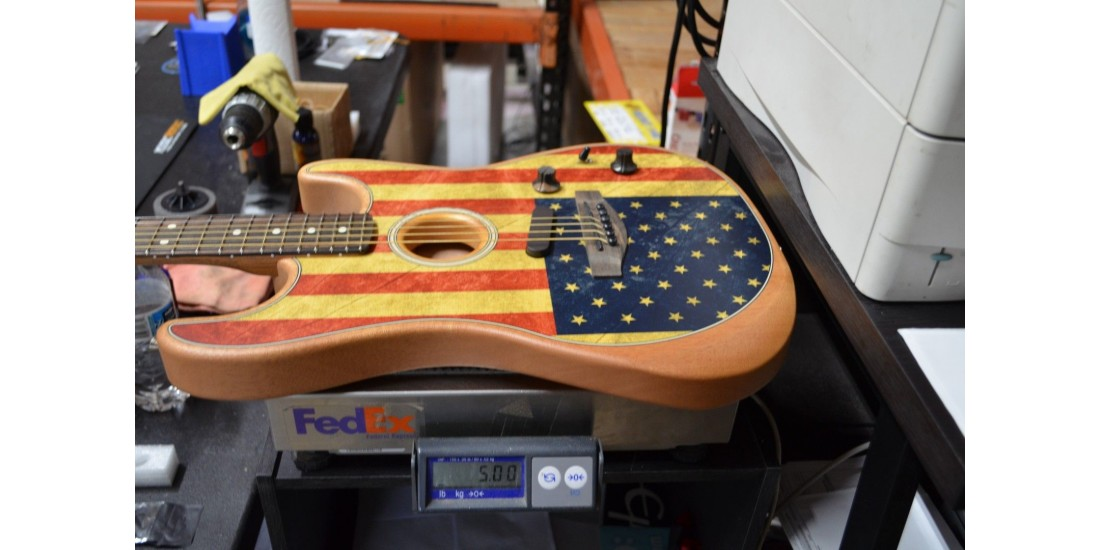 Fender  Limited Edition American Acoustasonic Stratocaster Ebony Fingerboard American Flag SNUS203434A