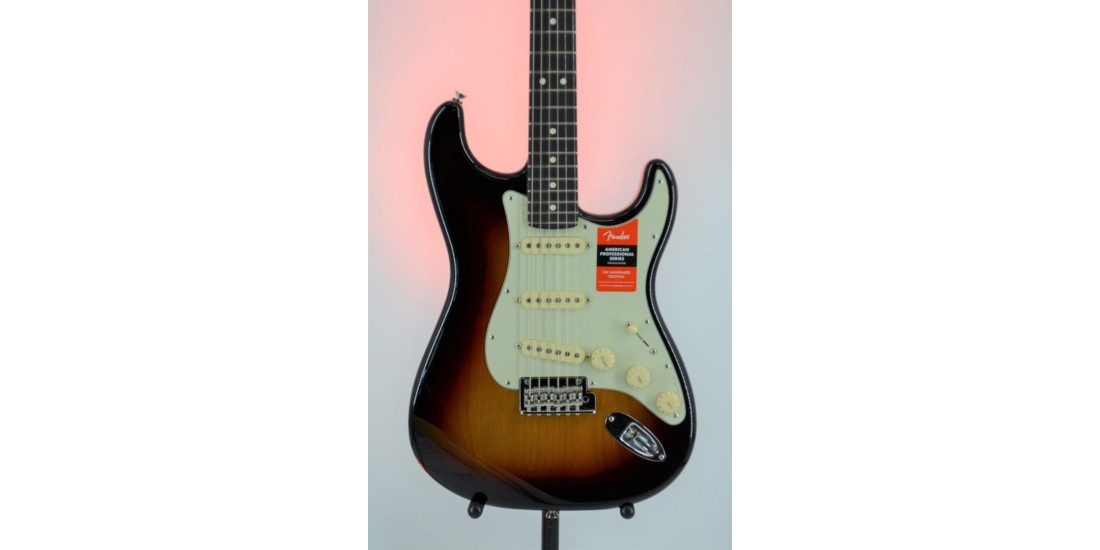 Fender American Professional Stratocaster 3-Color Sunburst Serial #US20013435 7.7lbs