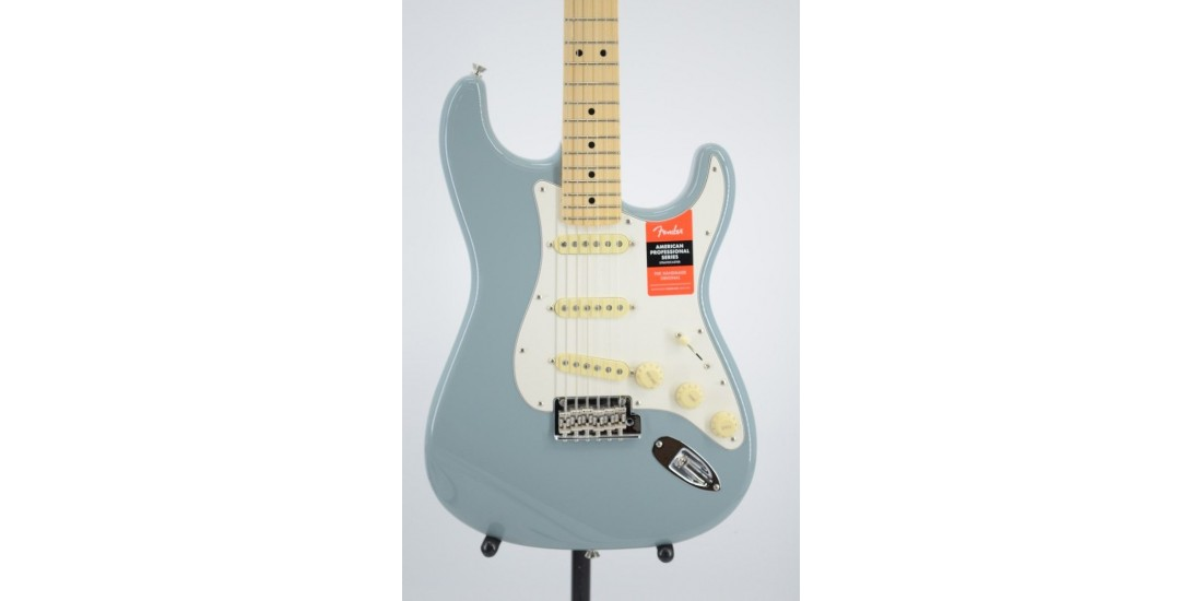 Fender American Professional Stratocaster Sonic Gray Serial #US20013618 7.65lbs