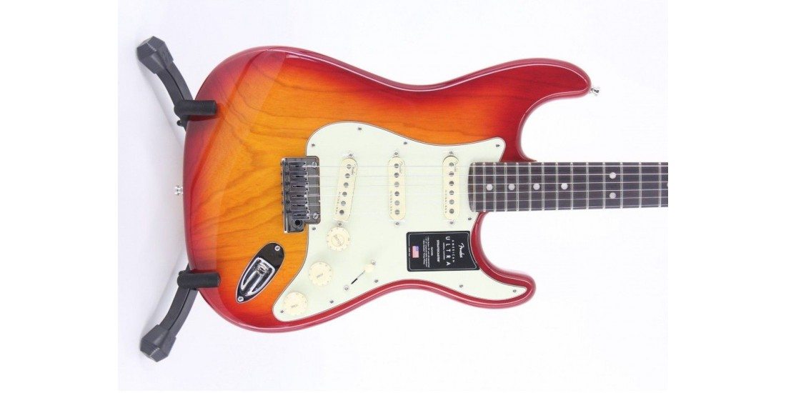 Fender American Ultra Stratocaster Rosewood FB Plasma Red Burst Serial# US19082567