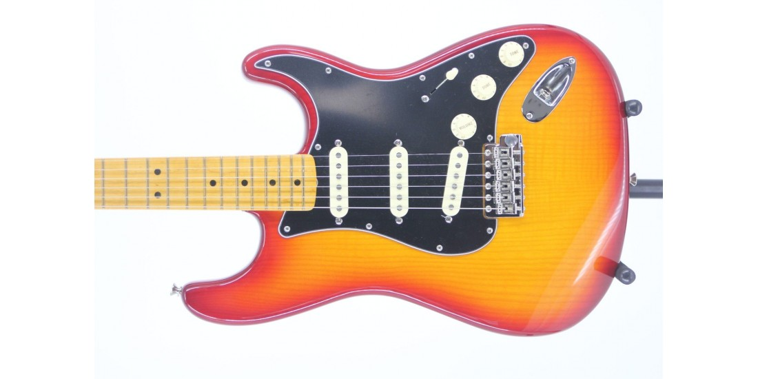 Open Box - Fender Rarities Flame Ash Top Stratocaster Plasma Red Burst Serial# US19040601 8.1lbs