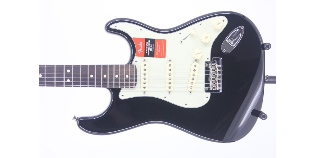 Fender American Professional Stratocaster Rosewood Fingerboard Black Serial# US19026855 7.85lbs