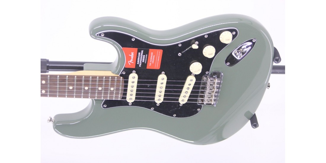 Fender American Professional Stratocaster Rosewood Fingerboard Antique Olive Serial#US16089855 7.8lbs