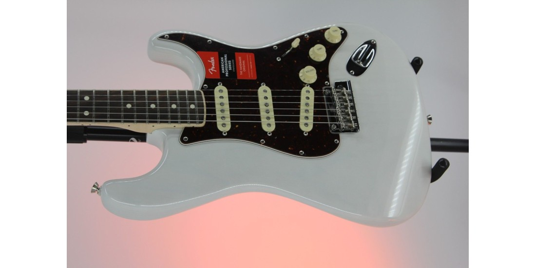 Fender Ltd Edition American Pro Stratocaster Channel Bound Neck White Blonde Serial# US18014836 8.0lbs