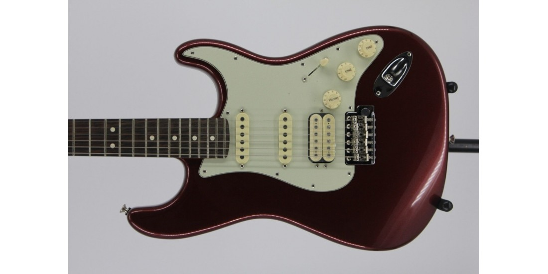 Fender American Performer Stratocaster HSS Rosewood Fingerboard Aubergine