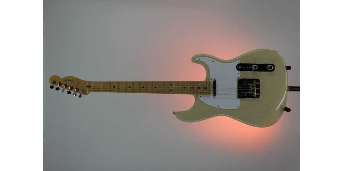 Fender Limited Edition Whiteguard Stratocaster Vintage Blonde