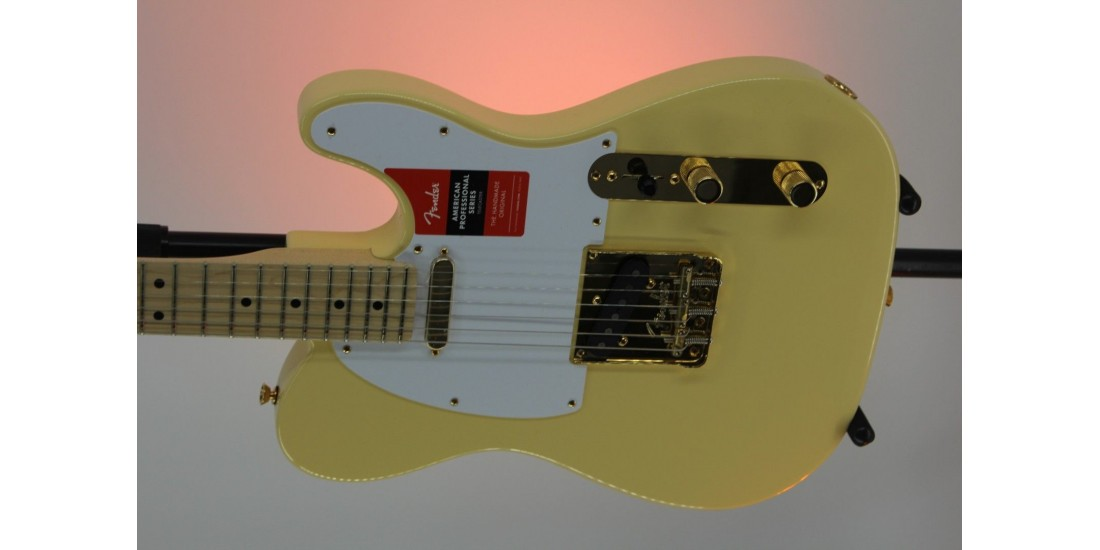 Demo - Fender Limited Edition American Pro Telecaster Vintage White