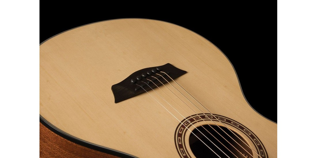 Washburn AGM5K-A Travel Guitar 7/8  Size Acoustic Guitar Natural