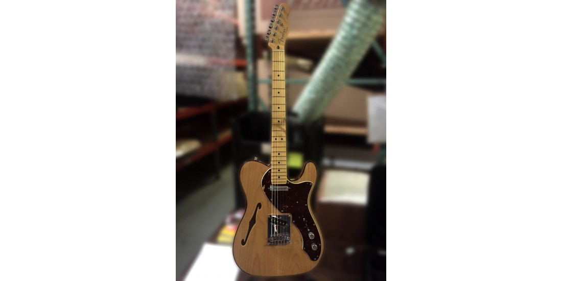 Fender American Deluxe Telecaster Thinline Maple Fingerboard Electric Guitar Natural Finish