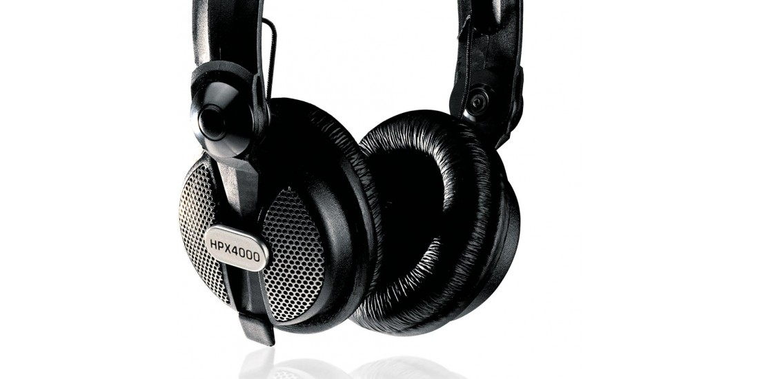 Behringer  HPX4000  High  Definition  Close  back  DJ  Headphones