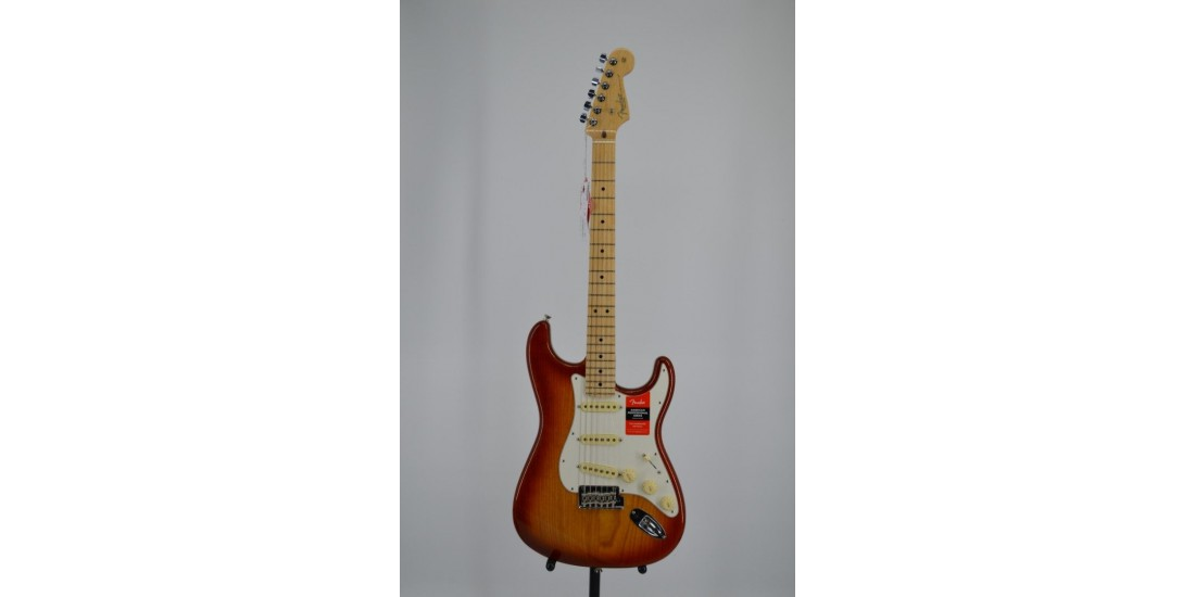 Fender American Professional Stratocaster Electric Guitar Maple Fingerboard Sienna Sunburst
